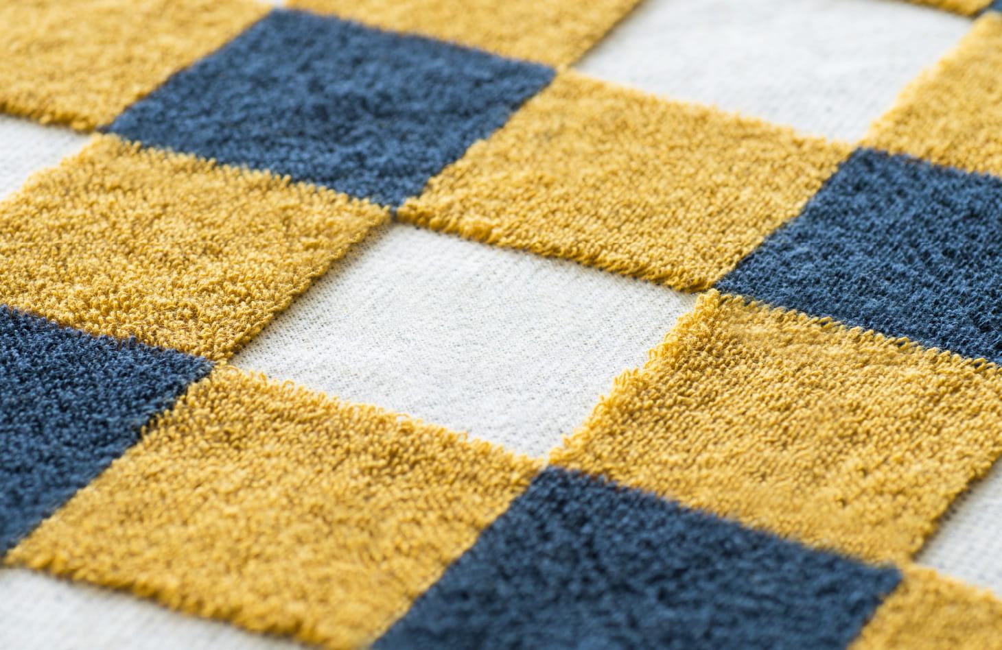 Removing the upper yarn